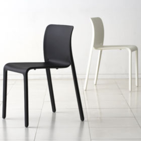 Chair First (existe en version outdoor) - Stefane Giovannoni - Magis